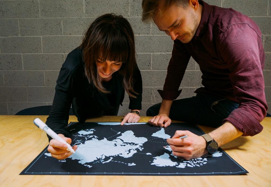 Designer schwarz-weiße Weltkarten Poster - Baltic Design Shop - neues nordisches Design!
