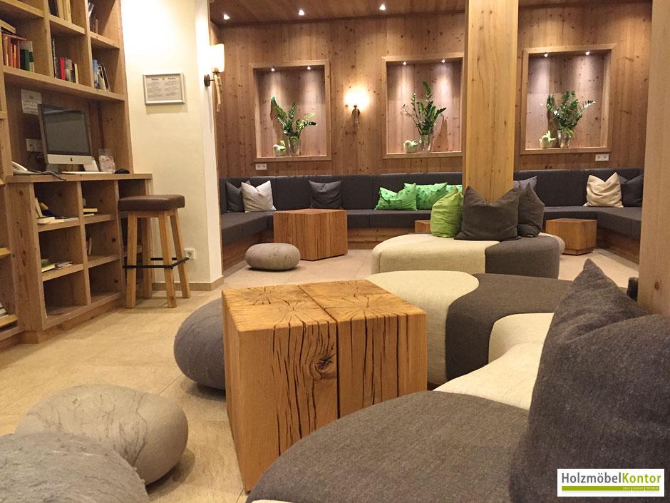 wo bekomme ich einen couchtisch aus holzbl cken. Black Bedroom Furniture Sets. Home Design Ideas