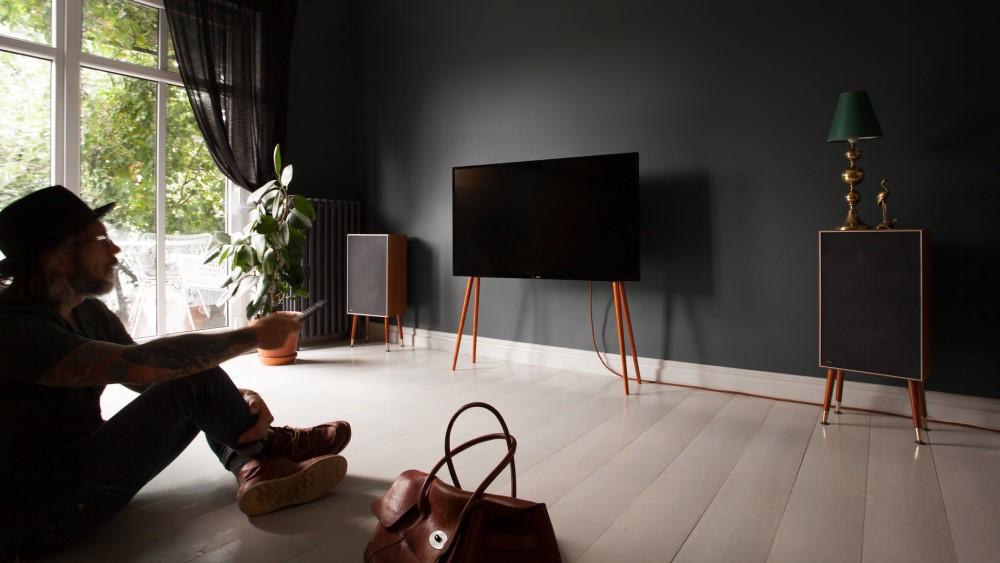 TV-Ständer Holz minimalistisch Walnuss