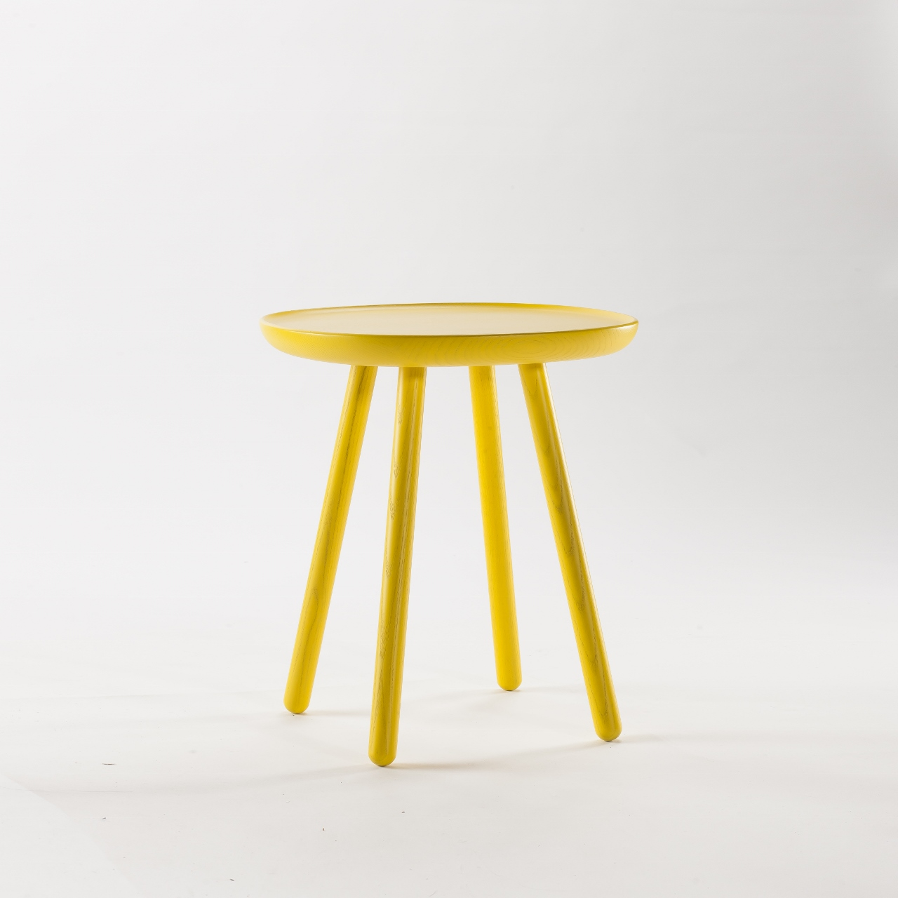 Moderne retro m bel im skandi stil for Couchtisch yellow