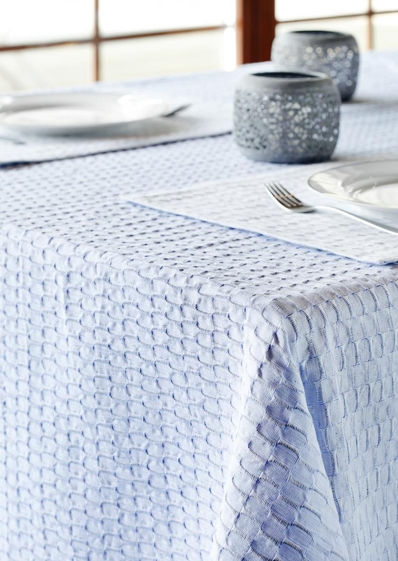 Tischdecke FLY hellblau skandinavisches Design günstig