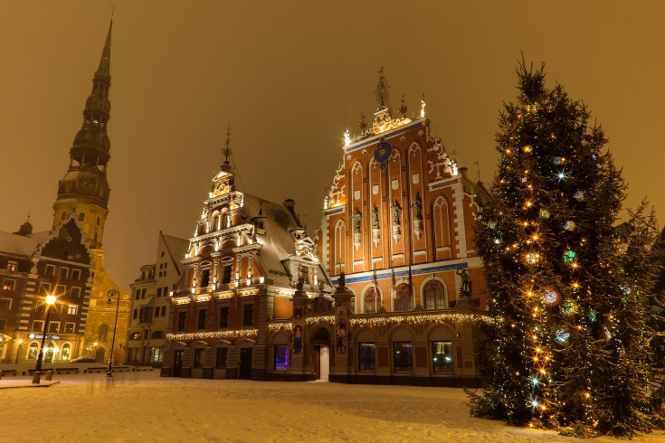 old_riga_in_christmas_time_latvia_eu.jpg