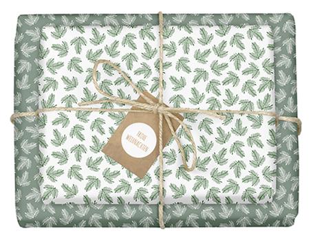 Geschenkpapier Weihnachten: grün-weiße Tannenzweige