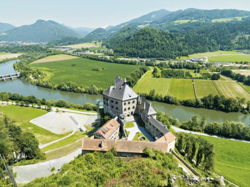 Burg_Rabenstein_Panorama_7.jpg