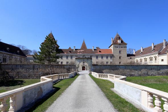 Walpersdorf_Schloss.jpg