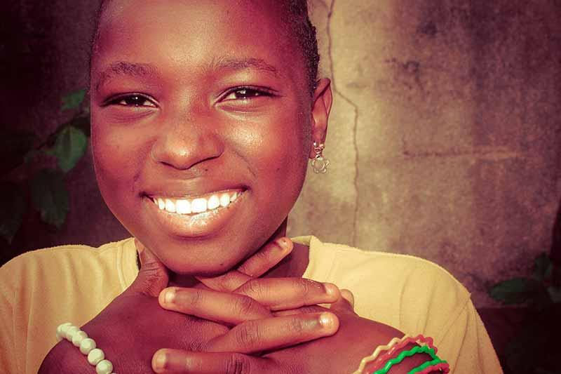 burundi-maedchen-web.jpg