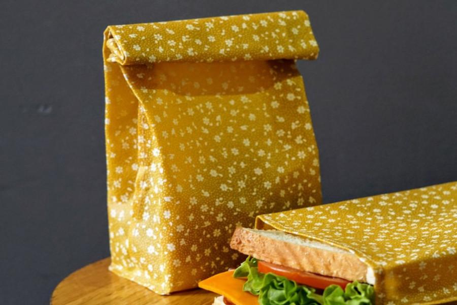 Lunch-Box aus Bienenwachstuch Werbegeschenk mit Logo