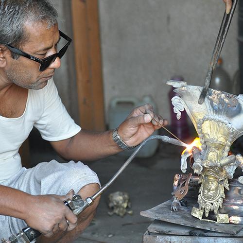 Traditionelles Herstellungsverfahren von Statuen