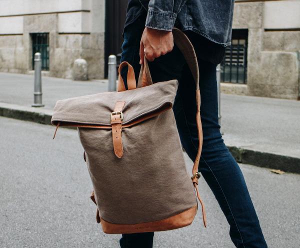 Rucksack aus Canvas und Leder
