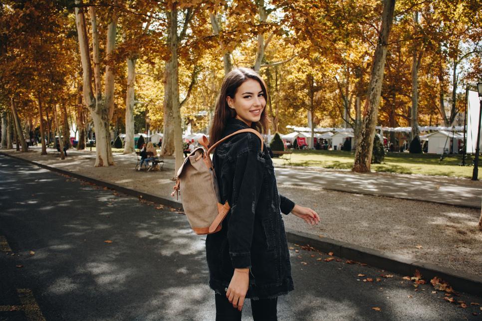 Damen Leder Rucksack aus Canvas von HOLZRICHTER Berlin
