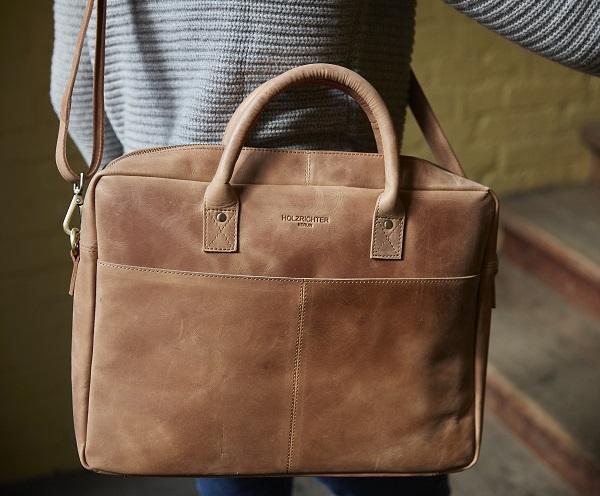 Umängetasche aus Leder