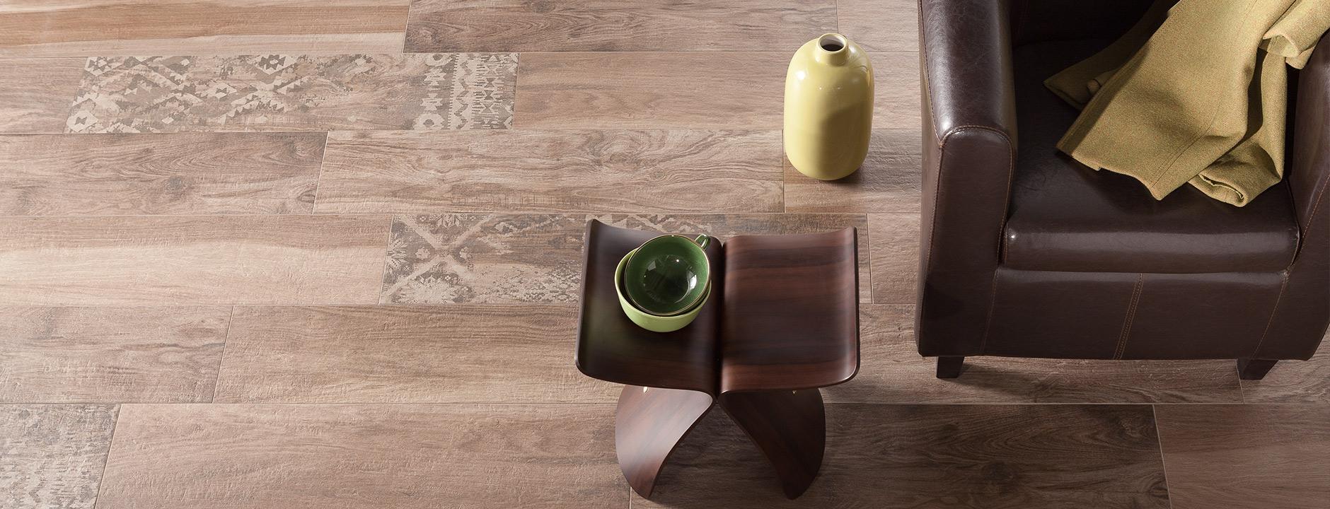 fliesen in holzoptik platten k nig wipperf rth fliesen naturstein ambiente. Black Bedroom Furniture Sets. Home Design Ideas