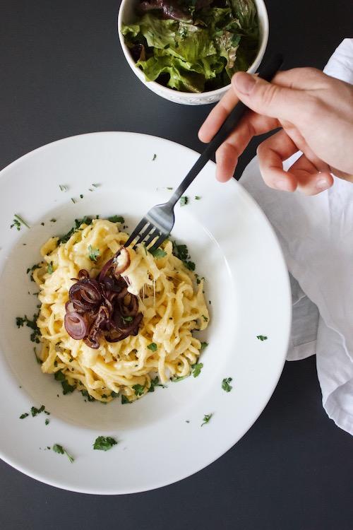 Käsespätzle mit Appenzeller und Schweizer Emmentaler